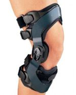 Donjoy OA Everyday Osteoarthritis Knee Brace Medial Left XLarge ** Click image for more details. (This is an affiliate link) Acl Knee Brace, Knee Injury, Rheumatoid Arthritis Treatment, Knee Arthritis, Donjoy Knee Brace, Orthotics And Prosthetics, Hinged Knee Brace, Knee Osteoarthritis, Home Health Care