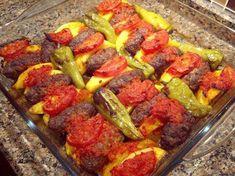 Heute stelle ich ihnen vor, wie sie Izmir Frikadellen zubereiten können. Es ist ein sehr bekanntes und beliebtes Gericht aus der türkischen Küche und schmeckt wirklich köstlich. Außerdem ist es ganz einfach zuzubereiten. Hier die Zutaten und die Zubereitung der Izmir Frikadellen.