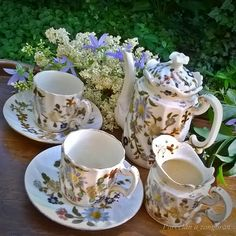 Tea Cups, Cottage, Hand Painted, Dishes, Chocolate, Coffee, Tableware, Beautiful, Vintage Teapots