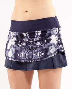 "Lululemon ""Run: Chase Me"" skirt.  I want to try to make something similar!"