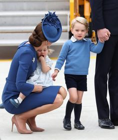 25 Kate Middleton Mom Moments That Will Melt Your Heart When She Held on to Charlotte and Spoke to George After Landing in Canada in September 2016