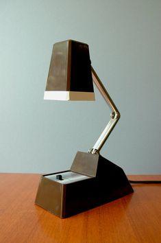 Atomic Folding Desk Lamp by luola