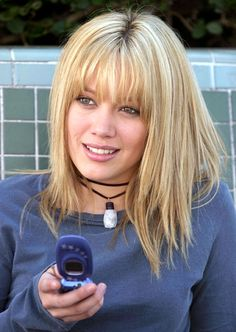 Hilary Duff // A Cinderella Story 2000s Hairstyles, Hairstyles With Bangs, Hillary Duff Hair, Hilary Duff Bangs, Hair Inspo, Hair Inspiration, 90s Grunge Hair, Hilary Duff Style, A Cinderella Story