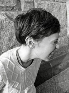 20 Really Cute Short Hairstyles You will Love: #19. Cute Growing Out Pixie; #shorthair; #pixie