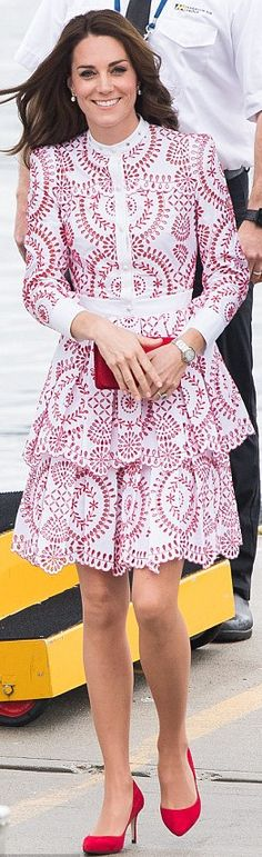 Kate Middleton http://www.dailymail.co.uk/news/article-3806714/Kate-looks-inch-glamorous-young-royal-Wills-leave-Prince-George-Princess-Charlotte-nanny-enjoy-day-Vancouver.html