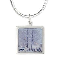 A snowy eve Necklace
