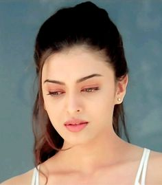 ★♀Non Stop Beauty™ Lovely eyes in the world. Aishwarya Rai Young, Aishwarya Rai Pictures, Aishwarya Rai Photo, Actress Aishwarya Rai, Aishwarya Rai Bachchan, Indian Bollywood Actress, Bollywood Girls, Beautiful Bollywood Actress, Most Beautiful Indian Actress