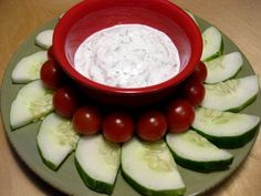 Snack Attack: Nonfat Yogurt Dill Dip and Veggies