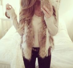 Fall / Winter Outfit - Faux Fur Sweater - Skinny Jeans