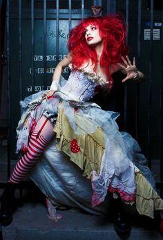 Emilie Autumn http://belaquadros.tumblr.com/post/27065060144