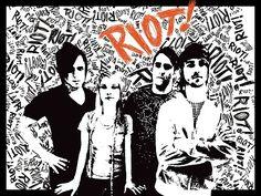 Depois de apresentações do Paramore na Warped Tour e de cinco meses sem a banda, Jeremy retorna. Em julho de 2006, Jason sai da banda e entra Hunter Lamb. O mesmo abandona a banda no início de 2007para casar-se. Ao mesmo tempo, as gravações deRiot!iniciam-se, terminando em março e sendo lançado emjunho do mesmo ano.