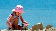 Regole per #protezione solare  #bambini - http://www.amando.it/mamma/neonato-bambini-piccoli/protezione-solare-bambini-regole-base.html