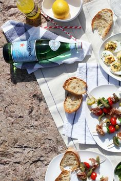 Picnic by the sea, by Fanni & Kaneli