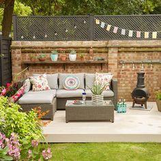 After 1 outdoor living room SAH June 17 p98 garden makeover