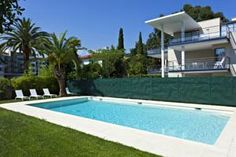 Located in Cannes, Neotelia Pavillon Montfleury offers an outdoor pool. This self-catering accommodation features free WiFi. The property is... Reviews....http://www.booking.com/hotel/fr/neotelia-pavillon-montfleury.en-gb.html?aid=379205;sid=f53f5232f6494da37a533d498ee7b052;dcid=4#blockdisplay4