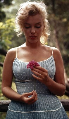 marilyn monroe by sam shaw, 1956
