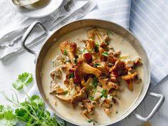 Probieren Sie die leckeren Pfifferlinge in cremiger Sauce von EAT SMARTER!
