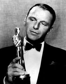 On March Frank Sinatra wins the Oscar at the Academy Awards Ceremony for Best Supporting Actor for his performance in From Here To Eternity. Mia Farrow, Hollywood Actor, Hollywood Stars, Vintage Hollywood, Classic Hollywood, Ava Gardner, Franck Sinatra, Edward G Robinson, Les Oscars