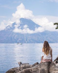 One of those peaceful mornings on Atitlan Lake our favorite spot in Guatemala (yes were already cruising around Chiapas MX but with no time to edit the new shots ) . . Atitlan Sunset Lodge Guatemala May 2018 . . #Guatemagica #Atitlan #Lake #Lago #Canon #volcano #volcan #view #vista #AlexKrotkov #Photography #Guatemala