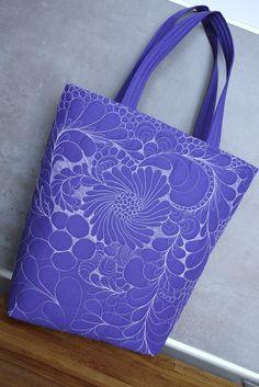 taška+quilt+rozměry-37x37+cm+dno+11+cm+výška+uší+-20+cm+taška+se+dá+nosit+i+na+rameni+použitý+materiál-100%+bavlna,výstuha+čv-1060