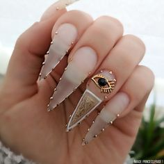 40 Chic And Trendy Acrylic Stiletto Nails Designs In 2019 Acrylic Stiletto Nails;Stiletto Nails Designs In are stiletto nails designs and colors to choose . Pick out what you like to dress up in! Bling Nails, Glam Nails, Beauty Nails, Hair Beauty, Sexy Nails, Dope Nails, Nails On Fleek, Gorgeous Nails, Pretty Nails