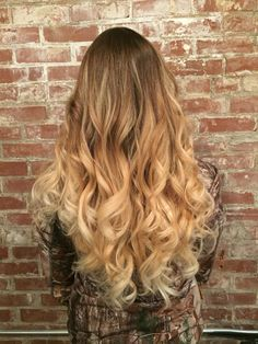 Blonde bayalage ombré  brown hair to white ask blonde highlight  beautiful long blonde curls. #aloxxi #kreationsbykatie