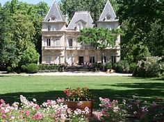 Seguin Castle x 6 generations.  The château and its lawn.  Now a B