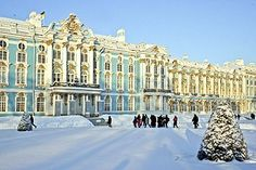 The Catherine Palace in St Petersburg, Russia, is one of the northernmost Rococo buildings. St Petersburg Russia, Winter Palace St Petersburg, Russian Architecture, Baroque Architecture, Madame Du Barry, Monuments, Wonderful Places, Beautiful Places, Catherine The Great