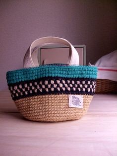 INSPIRATION : tapestry crochet jute bag. cargo bag. ハンドメイドマーケット minne(ミンネ)| 裂き編みバッグ 市松模様