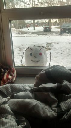 25 Clever Snowmen You Could Build While You're Snowed In Up To Your Asshole