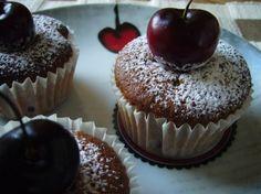 La cereza es  rica en vitaminas A, B, C, E, K y PP y así como la vemos no dan ganas de comerla, sino de apreciarla