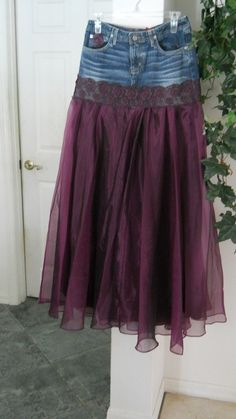 DIY Fashion Ideas for Teens Chloé jean skirt.---forget cut off shorts, way to upcycle torn jeans! Wouldn't this be a fun prom dress idea just layer with lots of toule--Chloé jean skirt.---forget cut off shorts, way to upcycle torn jeans! ---forget cut o Purple Satin, Satin Tulle, Dark Purple, Torn Jeans, Jeans Rock, Holey Jeans, Diy Clothing, Sewing Clothes, Denim Outfits