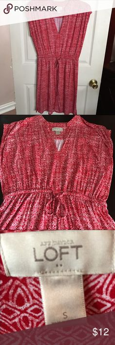 Loft dress Like new ! Worn once this is a cute red and white dress from Loft . About 36 inches in length . Elastic waist with tie . Size small LOFT Dresses