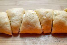 Γρήγορα τυροπιτάκια με ζύμη μαγιάς ⋆ Cook Eat Up! Cornbread, Cheese, Ethnic Recipes, Food, Millet Bread, Essen, Meals, Yemek, Corn Bread