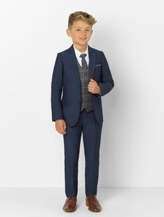 navy & grey suit - Ezra Boys navy & grey page boy suit Kids Wedding Suits, Wedding Outfit For Boys, Making A Wedding Dress, Wedding Outfits, Navy Grey Suit, Boys Navy Suit, Grey Suits, Navy Gray Wedding, Gray Weddings