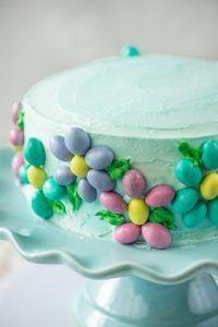 M&Ms Spring Flower Cake | @gogogogourmet