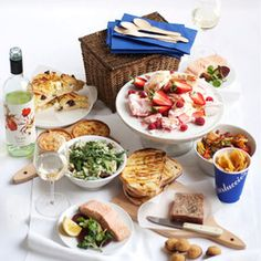 What we'd do for a Carluccios picnic hamper on the beach...  #RedsGreatBritishSeaside
