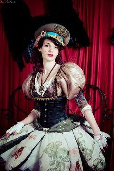 Costume cushion doll mad'Hands fait main steampunk steam girl women création originale rouge vert corset poupée photo : carre kawaii