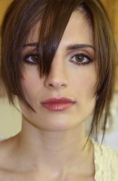 Stick straight hair that's angular and choppy will look severe on a Natural who has natural wave and body in her hair. Beautiful Eyes, Most Beautiful Women, Beautiful Christina, Stana Katic Hot, Castle Tv Shows, Castle Abc, Kate Beckett, Portraits, Dianna Agron