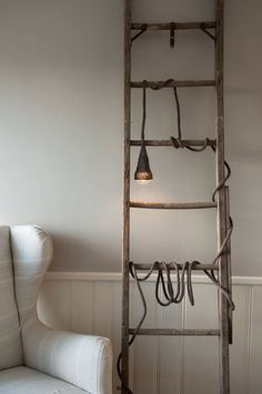 Quel que soit le #style #déco de votre intérieur,il existe de nombreuses façons d'exposer une #échelle chez vous ! www.mode-and-deco.com