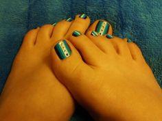 Blue toe nail design for summer!