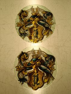 """Stained glass medallion realized by France Vitrail International Before and after """"restoration"""""""