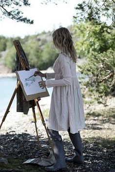 O HAI, @Rachel Steele!  I found this picture of you painting in the Maine countryside.  Remember that time?  It was awesome, with the champagne picnic and everything. <3