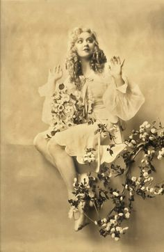 Agnes Franey - August 31, 1891 - December 14, 1975 Ziegfeld Girl