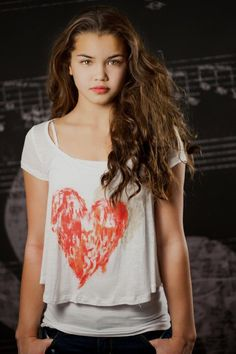 (Fc: Paris Berelc, and sorry I put my character in late!) Hi! I'm Paris, apparently daughter of Athena, and I'm 16. I was just brought in by some goat human thing and even though he tried to explain stuff, I'm still pretty confused. I'd love to talk to someone who has been here longer so introduce? Paris Berelc, Natalie Paris, Jennifer Lawrence Hot, Beautiful Paris, Beautiful Things, Cute Young Girl, Teen Girl Outfits, Young Fashion, Celebs