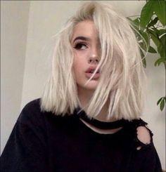 Short Platinum Blonde Hair, Brown Blonde Hair, Short Blonde, Dark Hair, Bleach Blonde Bob, Blonde White Girl, Platinum Bob, Short White Hair, Blonde Lob
