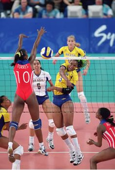 After winning the 2000 World Grand Prix, Cuba was the top favorite to win the gold medal in Sydney Custom Basketball Uniforms, Sports Uniforms, Female Volleyball Players, Women Volleyball, Volleyball Shorts, Beach Volleyball, 2000 Olympics, Cuba, Archery Girl