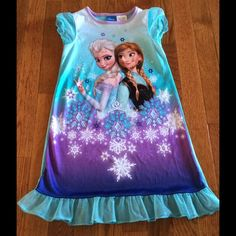 Disney Other - Disney Frozen Gown 5T