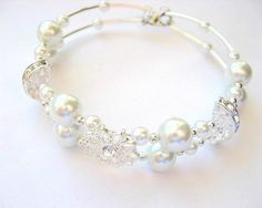 Bratara pentru mireasa cu perle sticla si cristale - accesorii nunta Pearl Necklace, Beaded Bracelets, Pearls, Wedding, Jewelry, Mariage, String Of Pearls, Bijoux