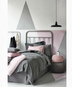 By far the most important piece of furniture in a bedroom interior design is the bed. Browse through pictures of motivating bedroom interior design concepts to develop your excellent house. Home Bedroom, Girls Bedroom, Master Bedroom, Blush Bedroom, Grey Bedrooms, Teenage Bedrooms, Modern Bedrooms, Bedroom Retreat, Bedroom Small